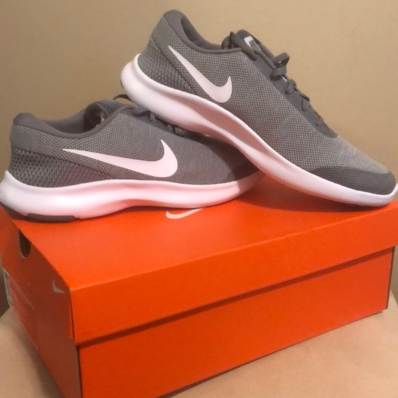best sneakers bebfd 1582c NEW NIKE Men s Flex RN 7 sneakers size 11.5